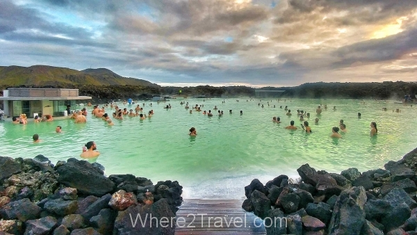 Blue lagoon in Iceland : one of the best geothermal spa